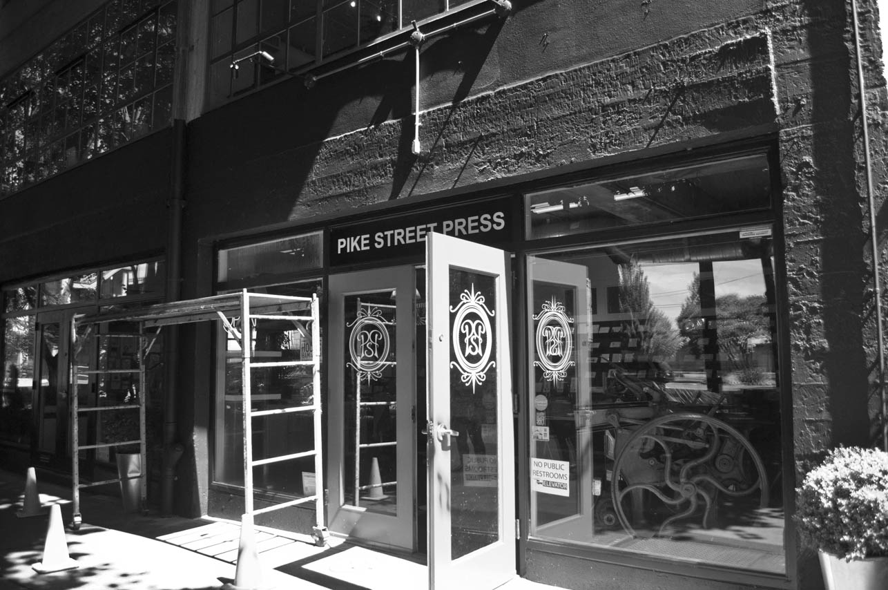 storefront-seattle-sign-painting-pike-st-press