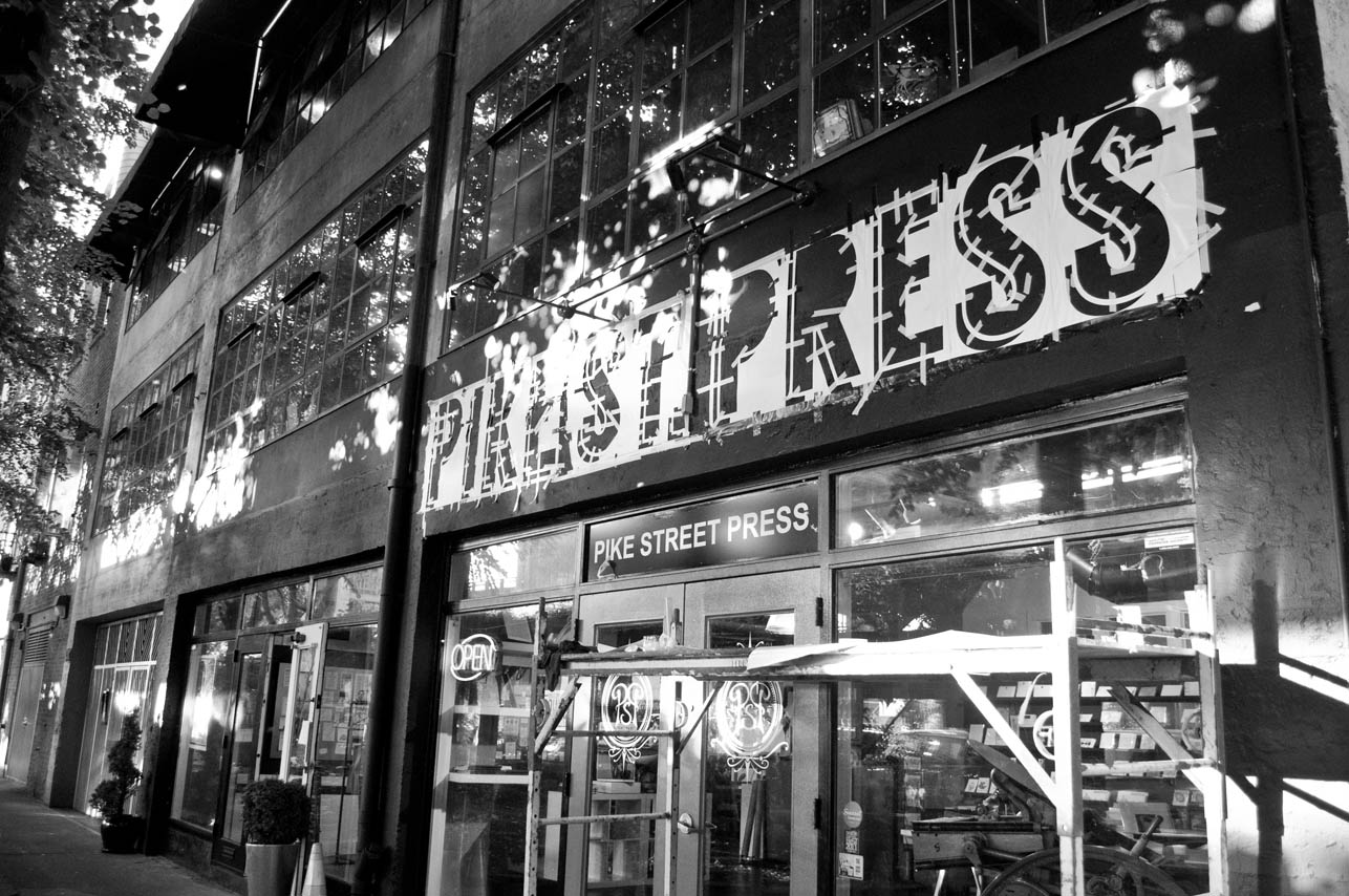 storefront-signage-painting-seattle-pike-st-press
